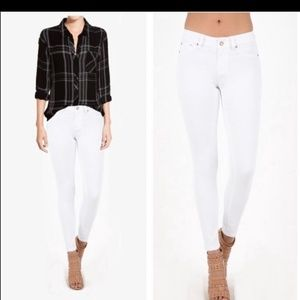 Denim - New Listing!!! White SKinny Jean's